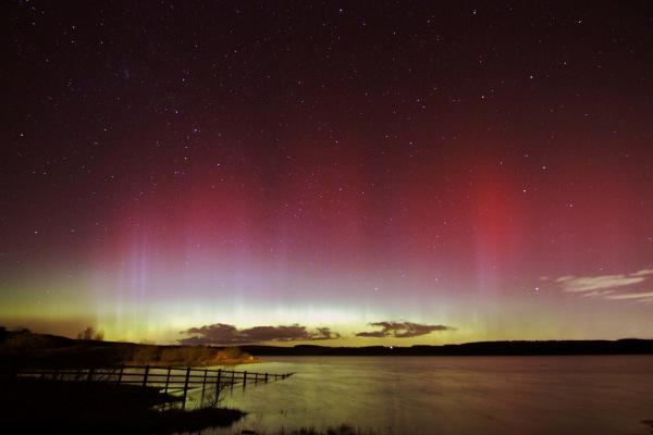 Derwent Reservoir at night
