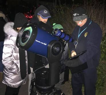 Moonwatch Event-11-330x370